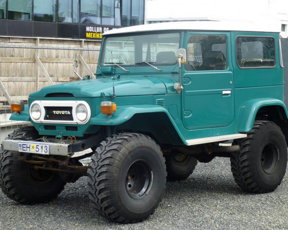 Toyota Land Cruiser (FJ40?) - Reykjavik | Flickr - Photo Sharing!