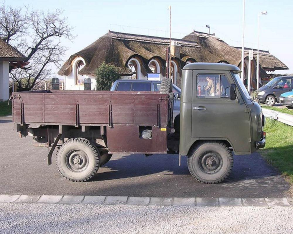 UAZ 452 LPG Ungheria Hungary 3 | Flickr - Photo Sharing!