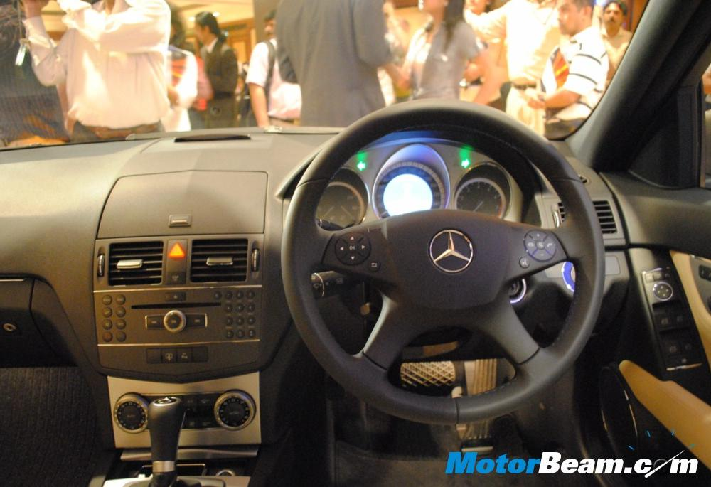 Mercedes-Benz C200 CGI BE - cars catalog, specs, features, photos, videos,