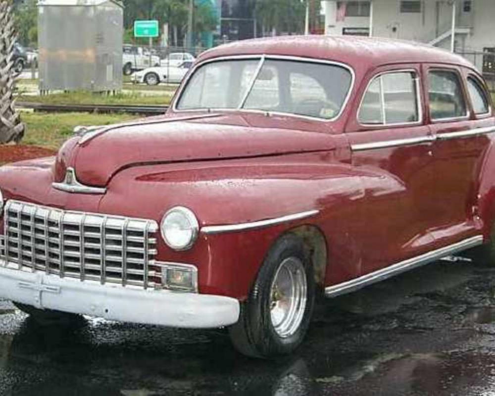 1947 Dodge Custom Sedan 4dr
