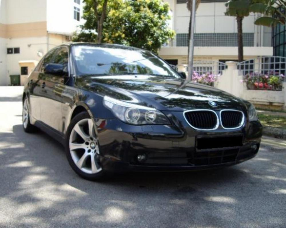 Pictures of BMW 520IA luxury Sedan - Exclusive offer!