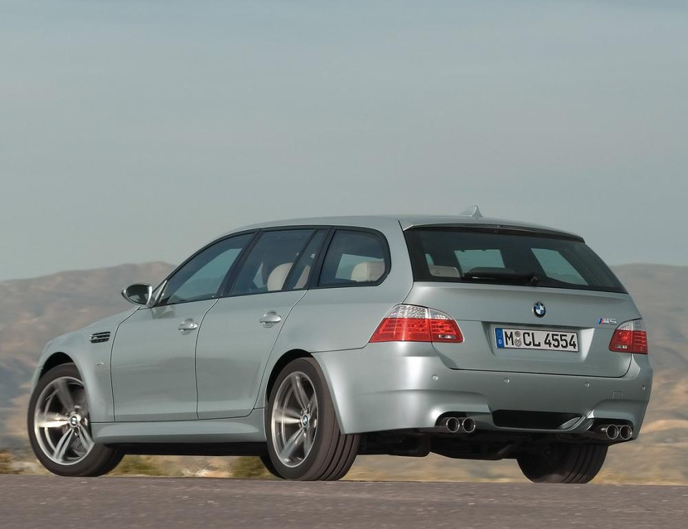 BMW M5 Touring 2008 This balance of ultimate practicality and performance is