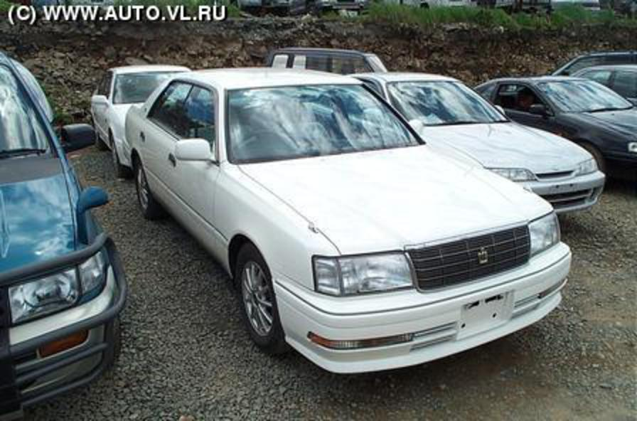 View more pics of 1995 Toyota Crown .