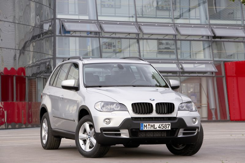 BMW X5 30i - huge collection of cars, auto news and reviews, car vitals,