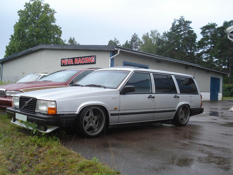 Volvo 740 Wagon on some nice spec wheels.. love the rear lips and height!
