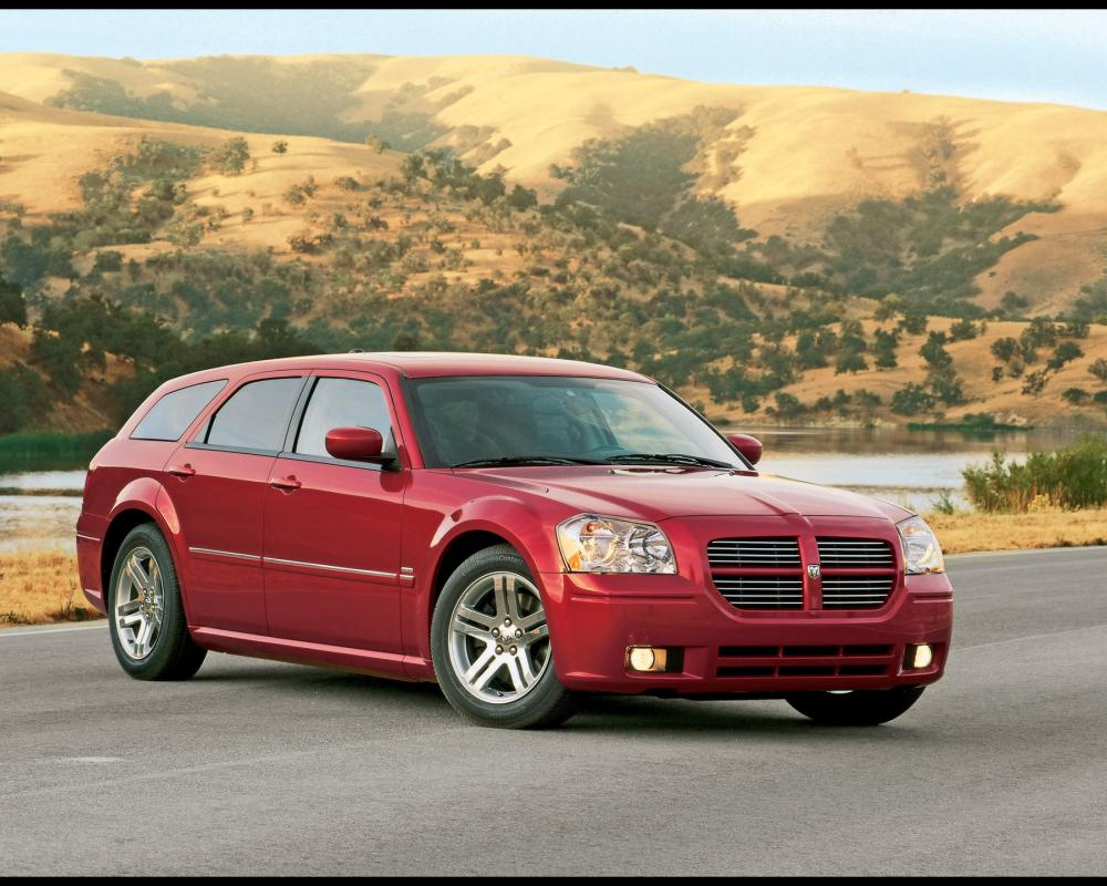 2005 Dodge Magnum RT - Front Angle - 1920x1440 Wallpaper