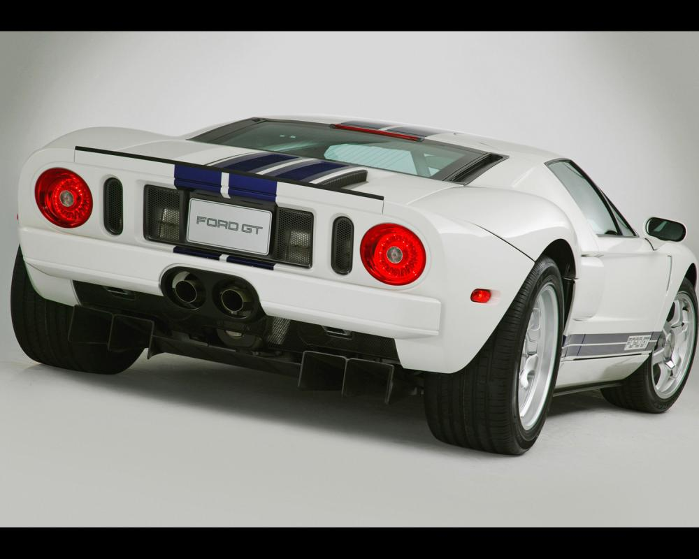 2005 Ford GT - White - Rear Angle - Studio - 1600x1200 Wallpaper