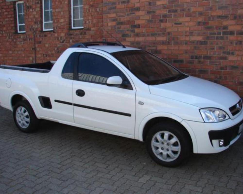 Pictures of OPEL CORSA 1400 Sports model Pick up/ Bakkie