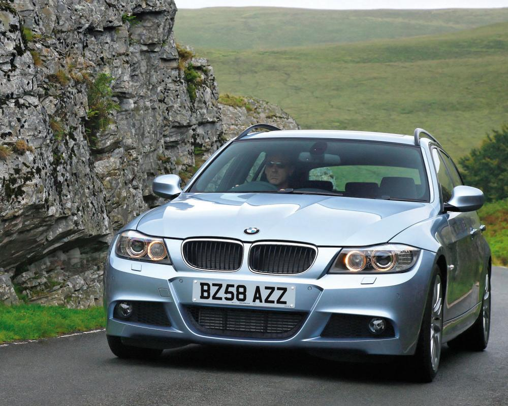 BMW 325i Touring – Front Angle, 2006, 800×600, 11 of 69