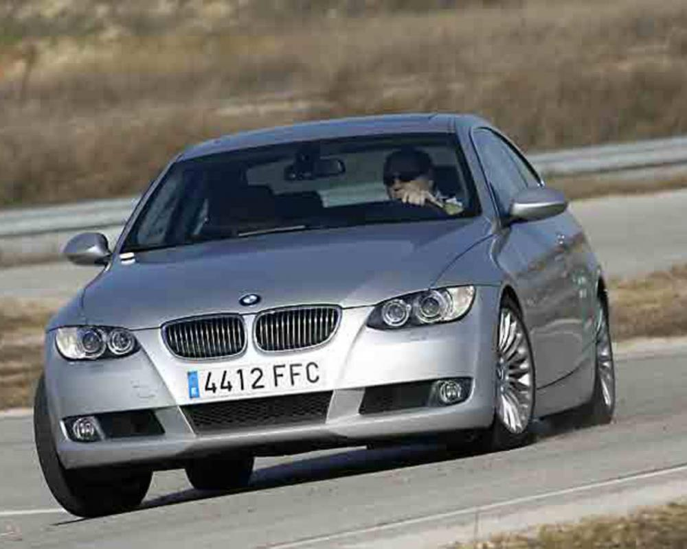 4cc847bmw325icoupe_07g wallpaper is a picture of post BMW 325i.