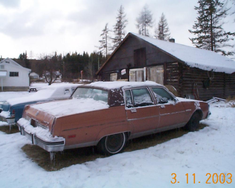1983 OLDSMOBILE 98 4DR. 5.7 Diesel. Loaded. air, tilt,telescopic,