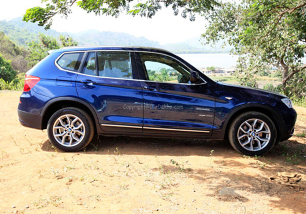 The BMW X3 x30d gets meatier and larger tyres and sportier alloy wheels as