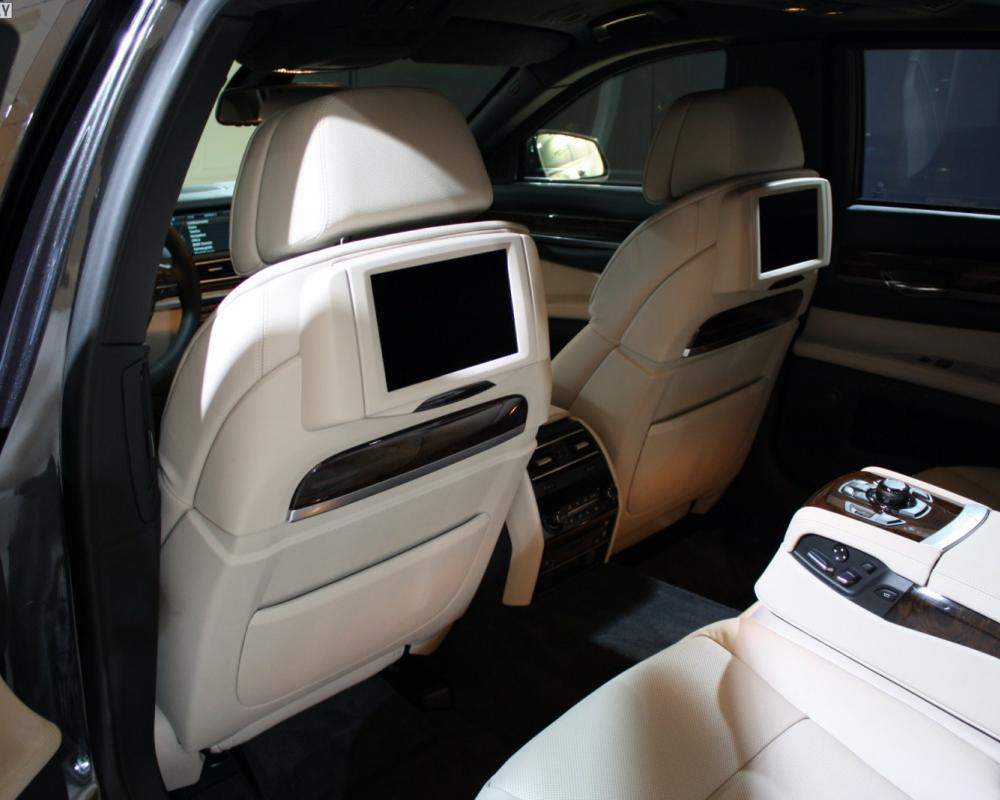 Exclusive photos of BMW 760i High Security
