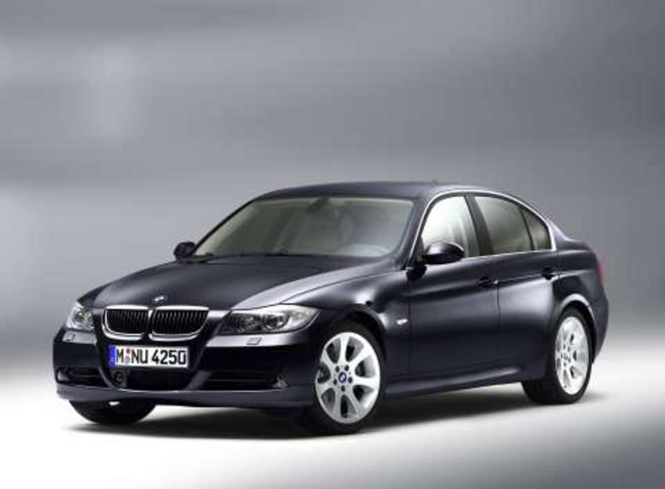 Bmw 330i (944 comments) Views 20972 Rating 52