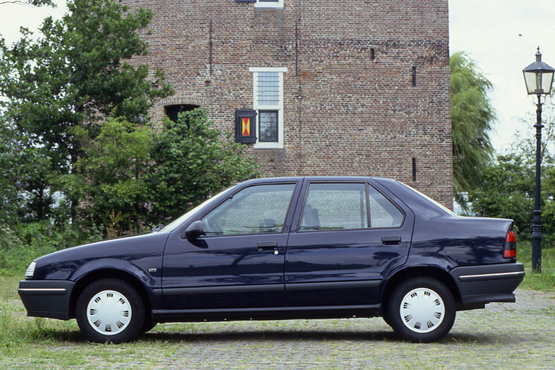 Renault 19 TR - cars catalog, specs, features, photos, videos, review,