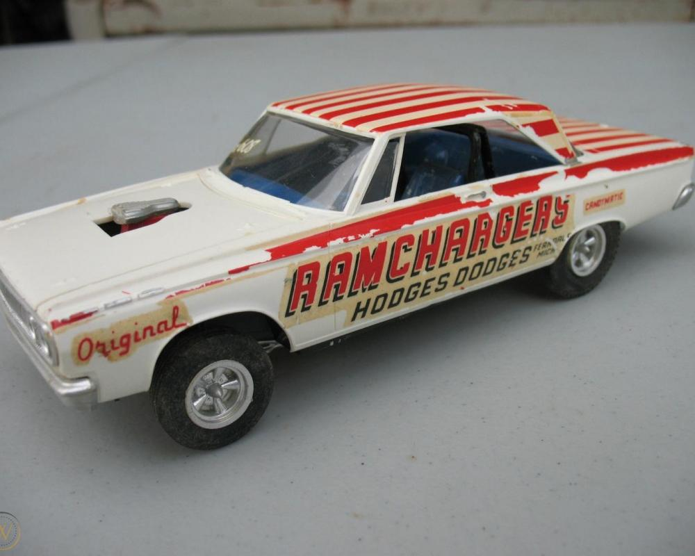 AMT 1965 Dodge Coronet 500 Builtup Annual Model Kit - Ramchargers ...