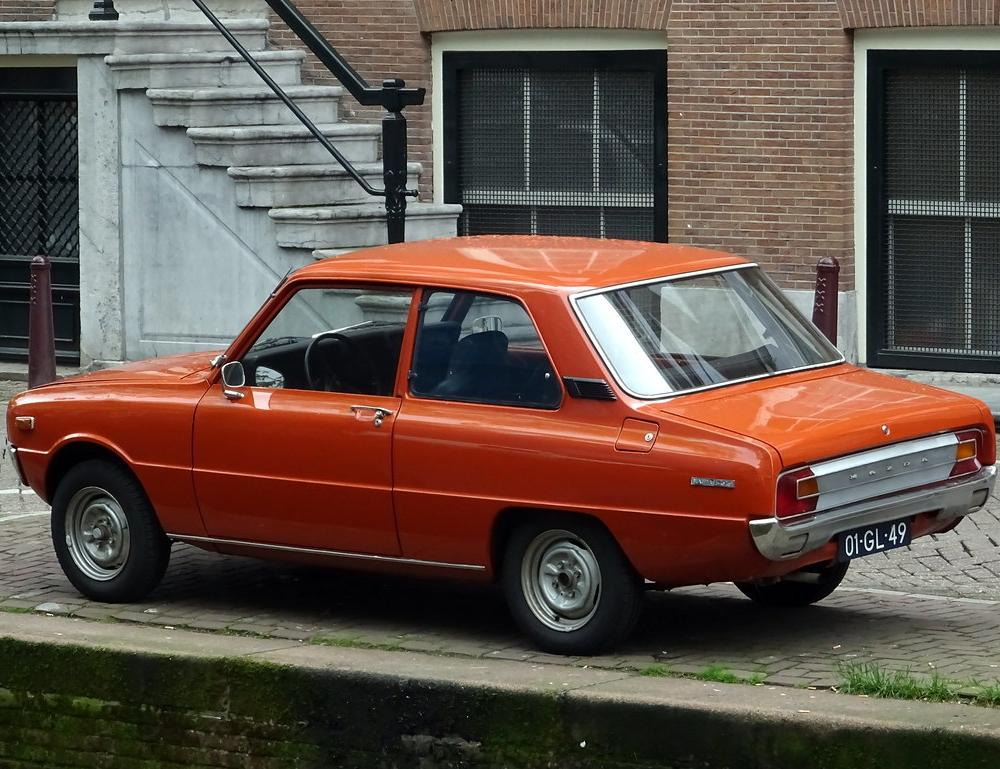 Mazda 1300 1975 | nr4780 | Ardy van Driel | Flickr