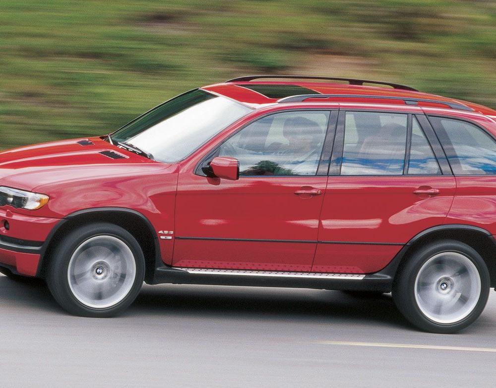 2002 BMW X5 4.6is Tested