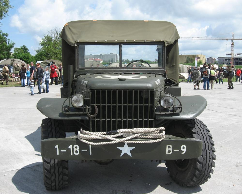 File:Dodge WC-51 during the VII Aircraft Picnic in Kraków 2.jpg ...