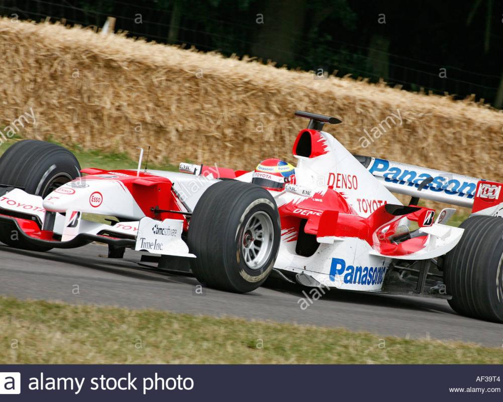 2005 Toyota TF105 driven by Ricardo Zonta at the 2006 Goodwood ...