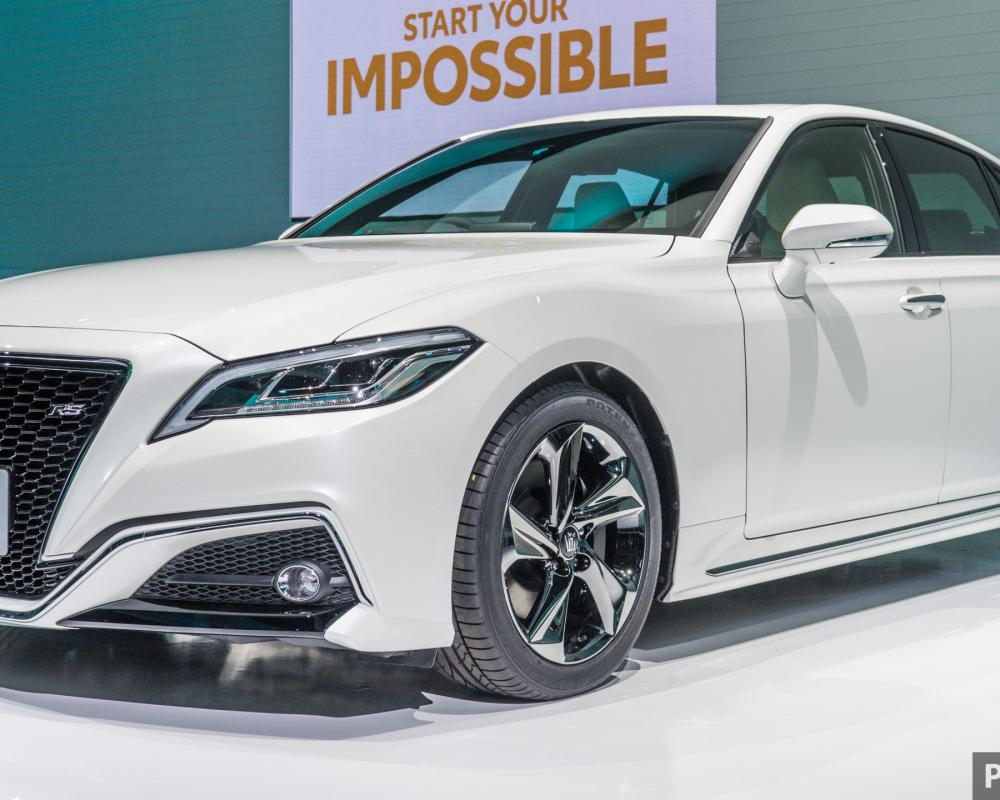 Tokyo 2017: Toyota Crown Concept, sportier than ever