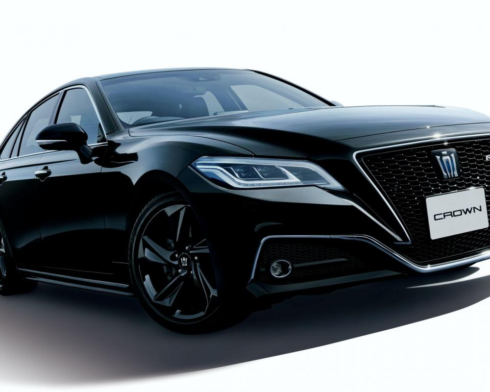 Toyota Crown Executive Sedan Gains Three Special Editions For Its ...