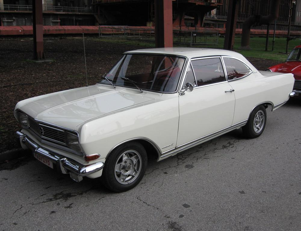 Opel Rekord B Coupé 1700 L -1- | Zeche Zollverein Essen 04/2… | Flickr
