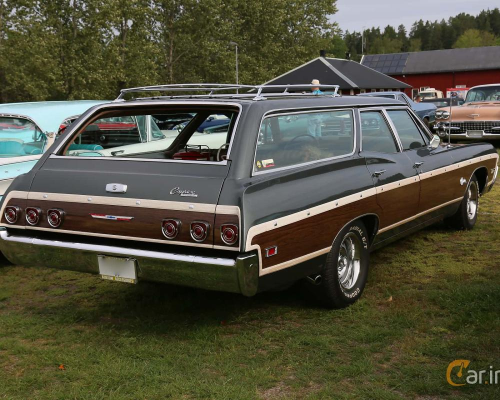 2 images of Chevrolet Caprice Estate Wagon 5.4 V8 Hydra-Matic ...