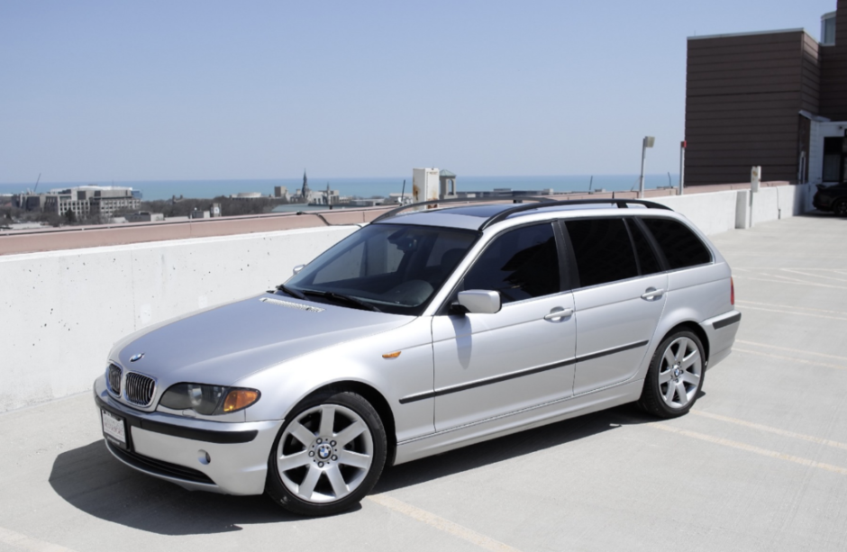 No Reserve: 2004 BMW 325i Touring SMG (With images) | Bmw, Touring ...