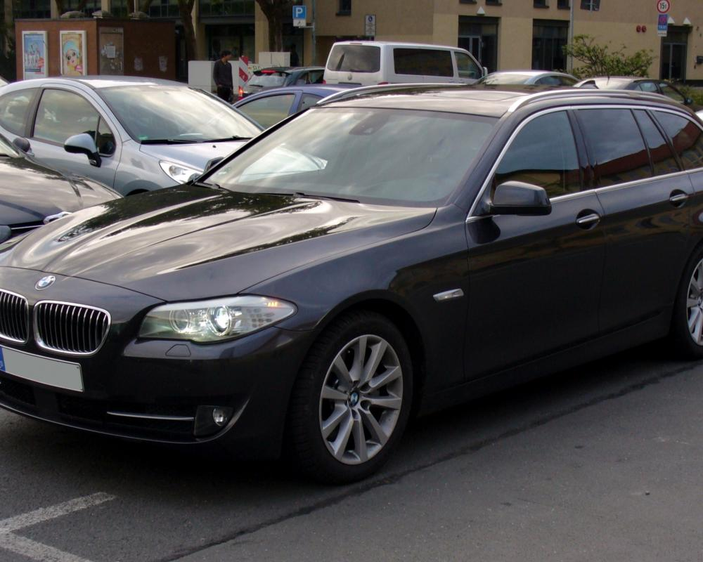 File:BMW 535d Touring Sophistograu.JPG - Wikimedia Commons