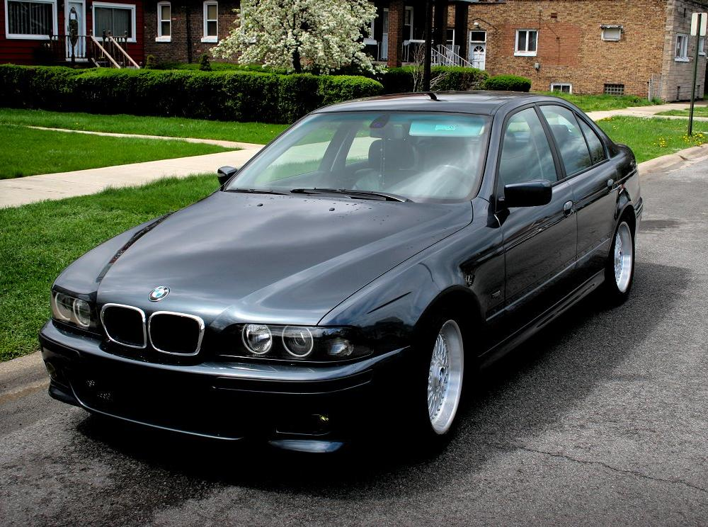 View of BMW 528i. Photos, video, features and tuning. gr8autophoto.com
