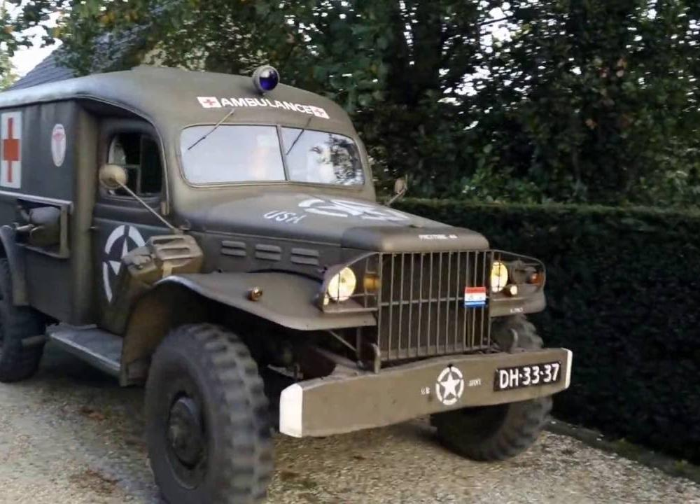 1943 Dodge WC-54 Ambulance - YouTube