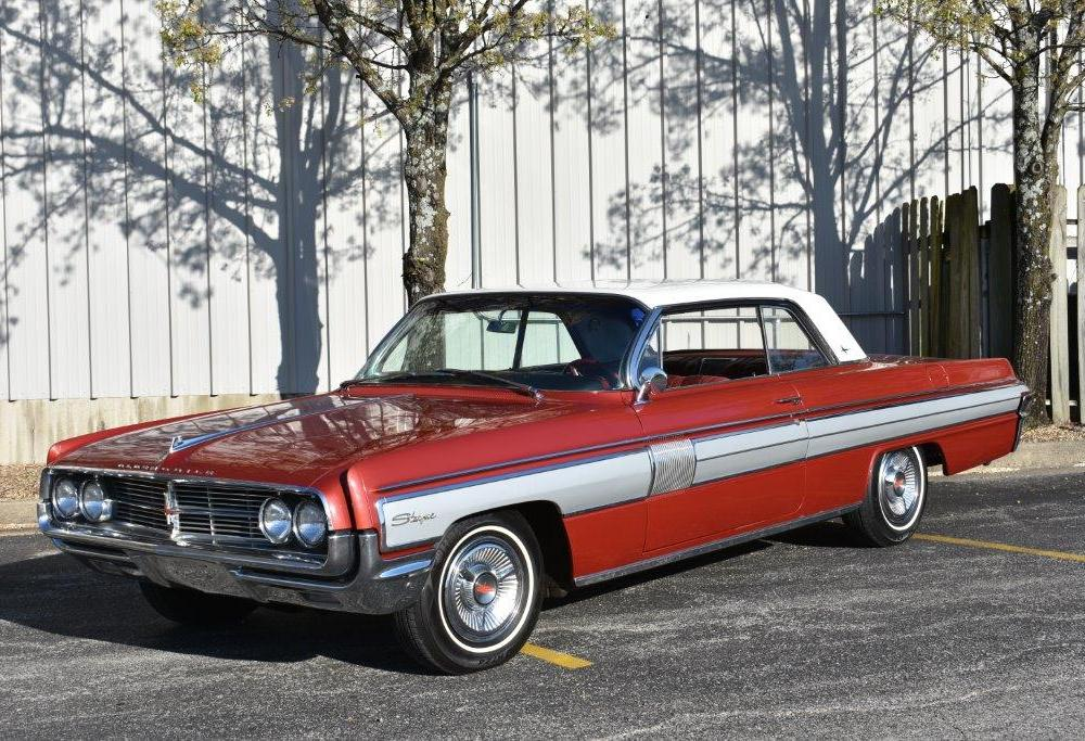 1962 Oldsmobile Starfire - Branson Auction Classic and Collector ...