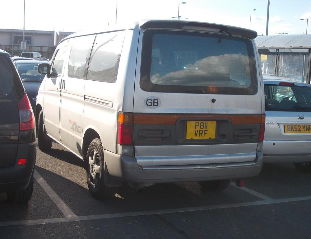 1996 Mazda Bongo Friendee 4WD | I first saw these whilst vis… | Flickr