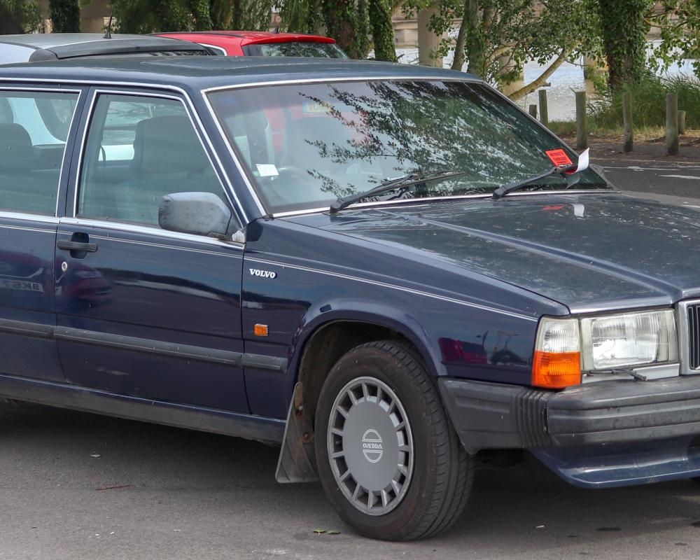 Volvo 700 Series - Wikipedia