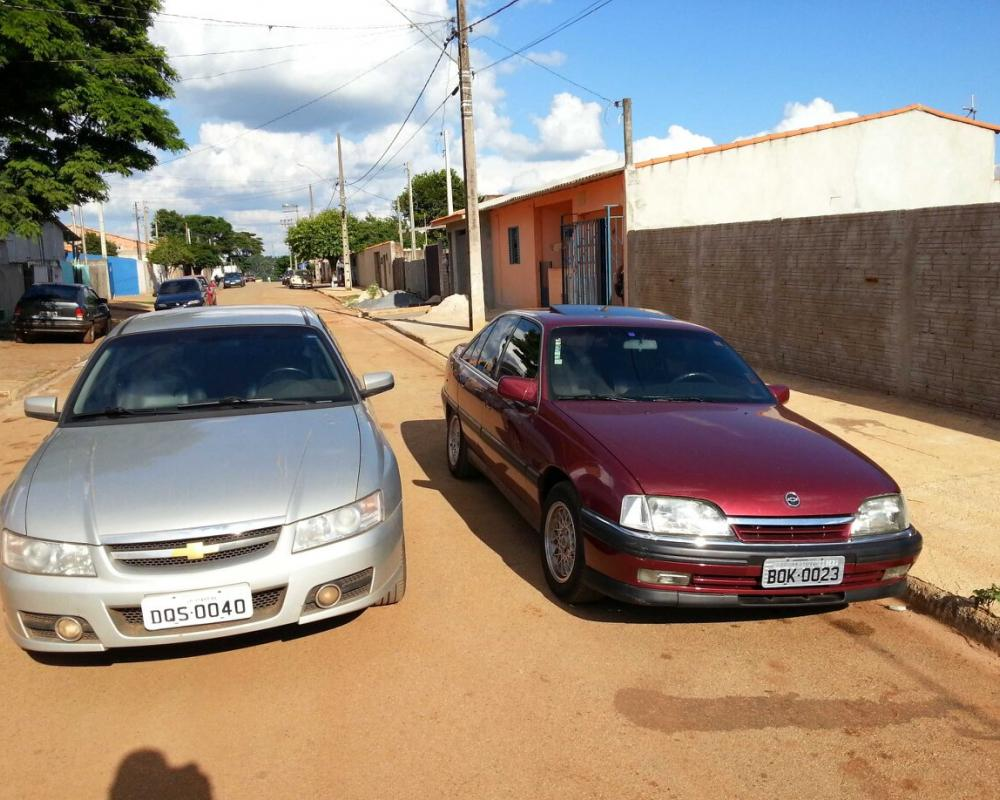 My children, Chevrolet Omega CD 3.6 (Holden Commodore) and ...