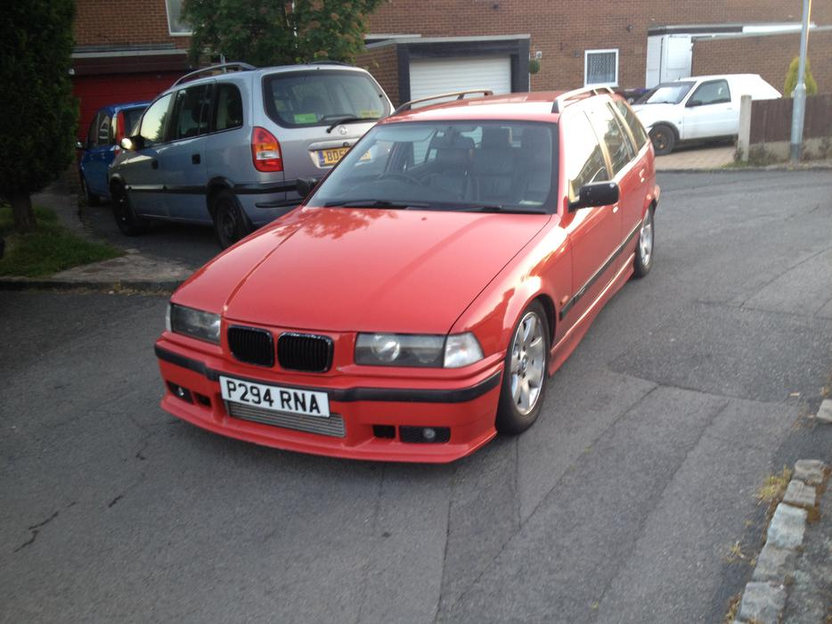 Bmw 318 tds touring. 1.8 turbo diesel, modified slammed, leathers ...