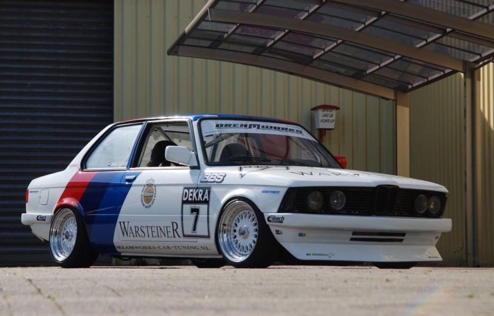327i hashtag on Twitter