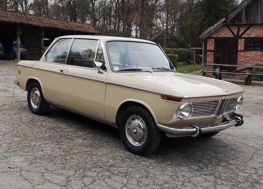 BMW 1600-2 Sahara - Oldenzaal Classics - YouTube