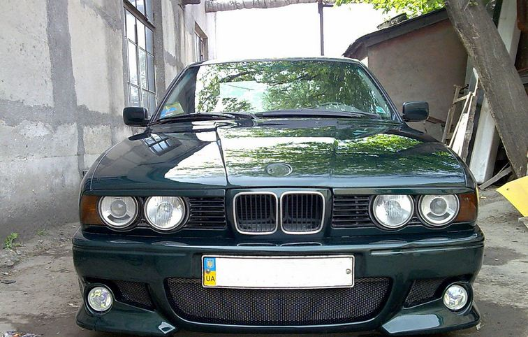 Eyelashes of forward headlights of BMW e 34 buy in Odessa