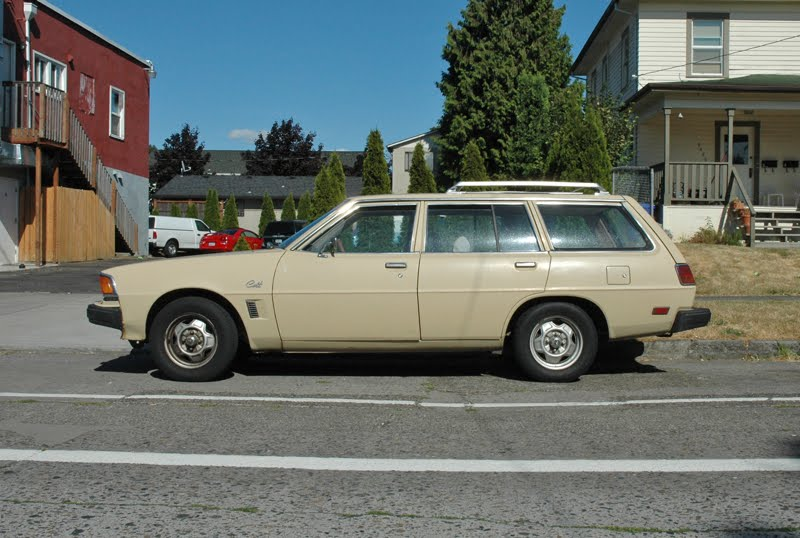 OLD PARKED CARS.: 1978 Dodge Colt Wagon.