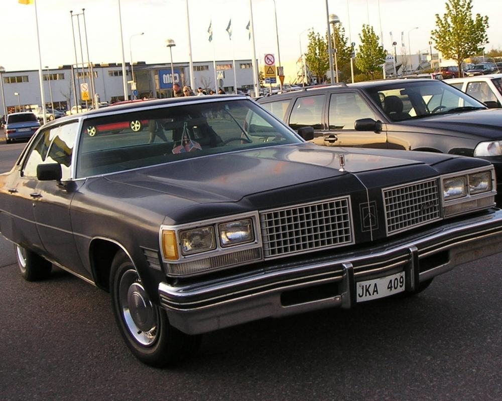 Oldsmobile 98 Luxury 4dr HT – Sweden