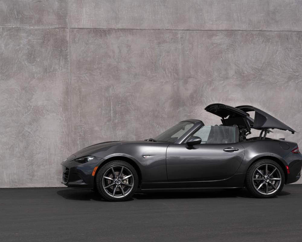 Beauty and Function in Perfect Harmony - MX-5 Miata RF | Inside Mazda