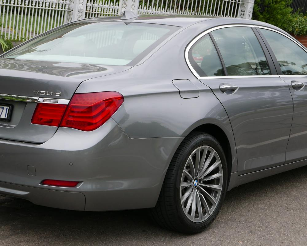 File:2010 BMW 730d (F01 MY10) sedan (2015-12-07) 02.jpg ...