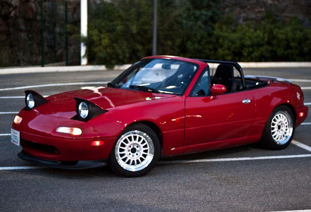 Red Mazda Miata mx5 (With images) | Mazda mx5 miata, Mazda miata ...