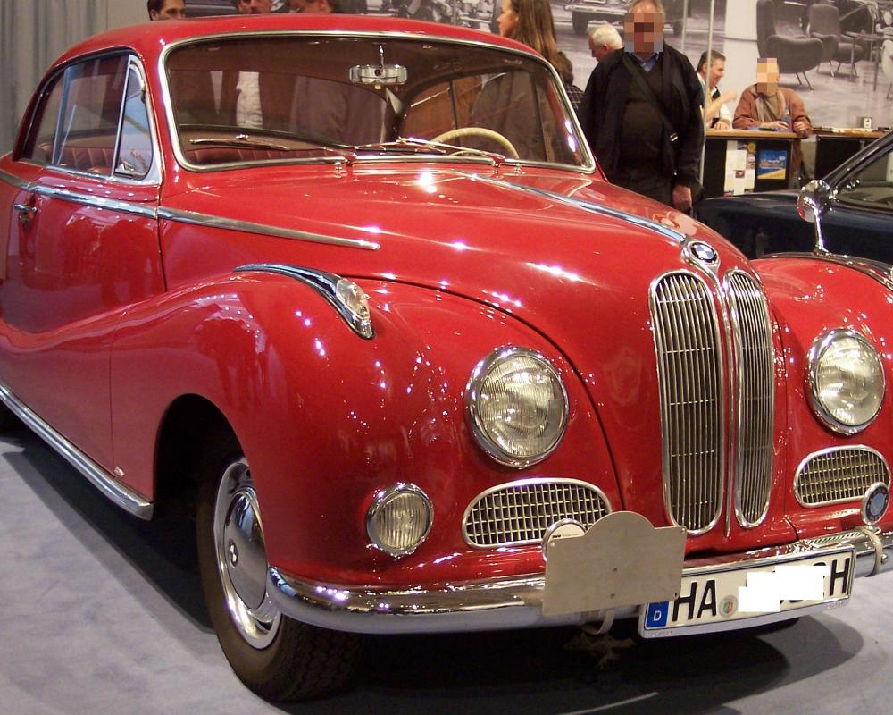 File:BMW 502 red vr TCE.jpg - Wikimedia Commons