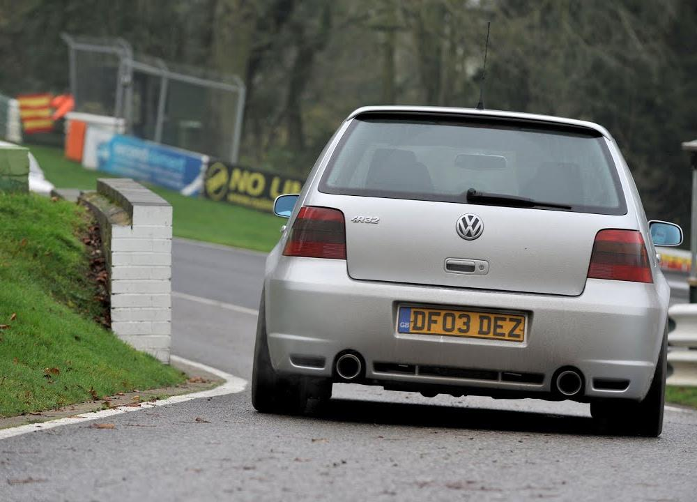 Loudest Volkswagen Golf GTi R32 engine exhaust sounds in the world ...