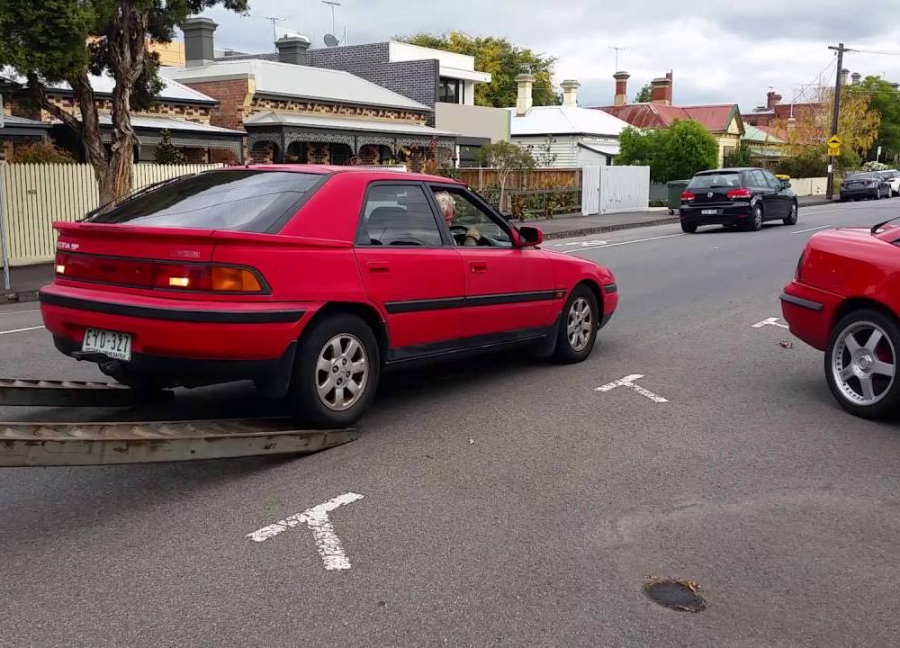 My old Mazda 323 Astina SP doesn't want to go to the wreckers ...