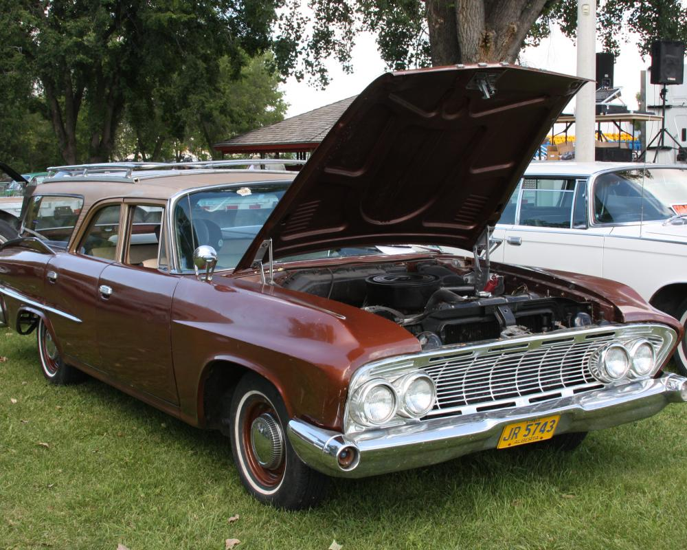 File:1961 Dodge Seneca station wagon (9315094160).jpg - Wikimedia ...