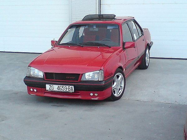 View of Opel Ascona 2.0 S. Photos, video, features and tuning ...